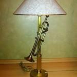 Stona mesingana lampa