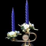 Svećnjak od mesinga sa svećama
